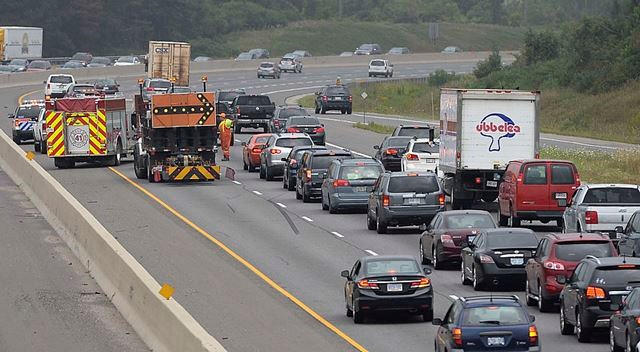 Collision snarls eastbound 401 traffic at Guelph Line