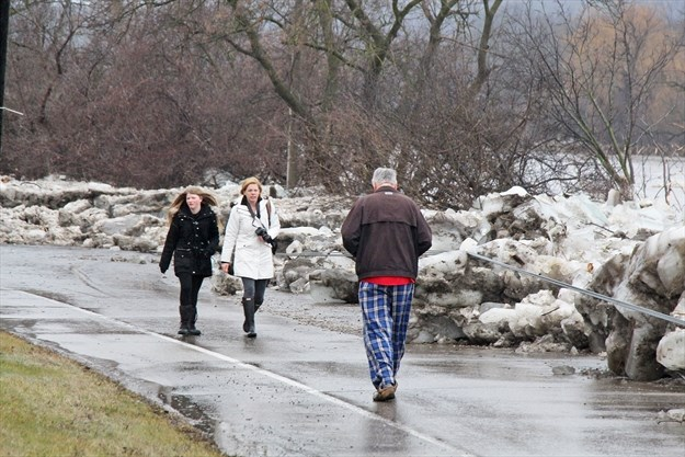Grand River Flow >> Ice And Flooding Reigns As River Flows High In Cambridge