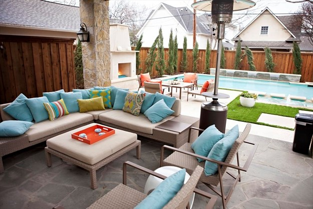 Fans For Hot Days And E Heaters Cold Nights Can Help Make A Patio Feel Even More Like An Outdoor Living Room Melanie Johnson Photography Abbe